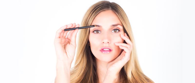 Maquillage-des-sourcils-comment-bien-les-dessiner-eqlib
