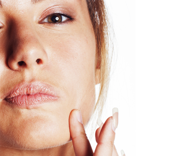 Bouton, Point Noir : comment traiter l'acné d'adulte ?