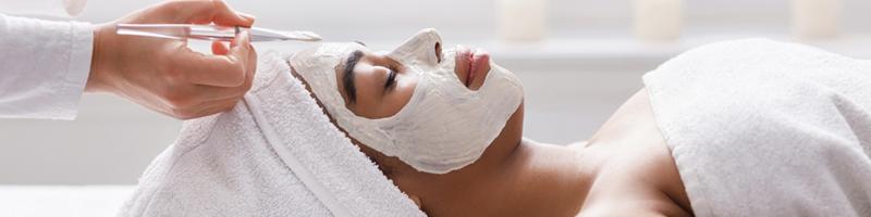 L'acné à l'âge adulte : comment la traiter efficacement